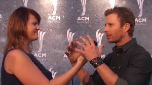 dierks bentley wedding acm honors ceremony with dierks bentley the rascal flatts u0026 more