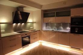 eclairage cuisine spot exceptional eclairage sous meuble haut cuisine 6 luminaires
