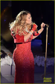 mariah carey sings u0027all i want for christmas is you u0027 live at