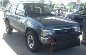 1995 nissan truck file 1993 1995 nissan pathfinder jpg wikimedia commons