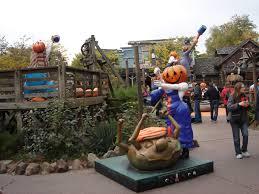 Disney Halloween Ornaments by Disneyland Paris 2009 Halloween Decor Micechat