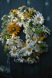 Halloween Picks For Wreaths by 991 Best Images About Wreaths On Pinterest Summer Wreath Spring