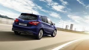 nissan blue dizainas nissan pulsar hečbekas šeimos automobilis nissan