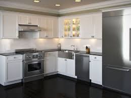 backsplash with white kitchen cabinets white kitchen cabinets with glass tile backsplash smith design