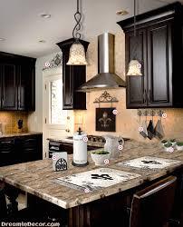 Design the House of your Dreams with Fleur de Lis Home Decor
