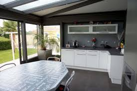 cuisine dans veranda cuisine veranda inspirational extension cuisine veranda myfrdesign