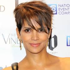 harry berry hairstyle salon inspiration halle berry instyle com