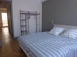 pleasant apartment with garage quiet 60m longchamp included