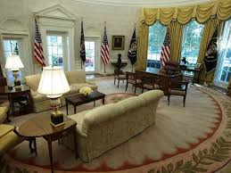 Oval Office Desk Donald S Oval Office Design Is Inspired By Past Presidents