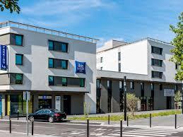 siege social leclerc hotel in montigny le bretonneux ibis budget quentin en