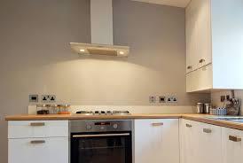 recouvrir carrelage mural cuisine recouvrir carrelage cuisine plan de travail affordable peinture