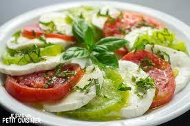 comment cuisiner le coeur de boeuf recette de salade caprese aux tomates cœur de bœuf et green zebra