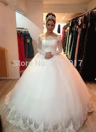 robe de mari e dentelle manche longue de mariage