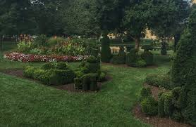 Columbus Topiary Garden - how to discover outdoor adventure in columbus adventure mom