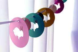 Easter Decorations For Windows by Easter Decoration Crafts U2013 20 Ideas For Fresh Garlands For The