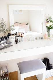 Ikea Restyle Modern Hollywood Regency by Best 25 Mirrored Vanity Ideas On Pinterest Mirrored Vanity