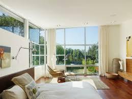 rideaux chambre adulte decoration rideaux chambre coucher adulte blancs fenêtres sol