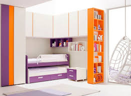 chambre pont enfant armoire contemporaine en bois à porte battante pont de lit