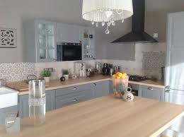 cuisine rustique repeinte en gris les cuisines de claudine r novation relookage relooking cuisine
