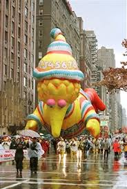 big bird balloon in macy s thanksgiving day parade pictures