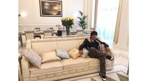 Srk Home Interior Shah Rukh Khan U0027s Luxurious Pit Stop At Dubai U0027s Palazzo Versace