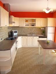 cuisine a repeindre de quelle couleur peindre sa cuisine rénovation salle de