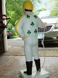 help painting a lawn jockey wetcanvas