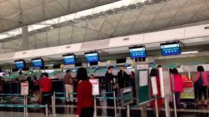 checkin cathay pacific airline in hong kong international airport