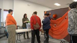 salvation army gives families free thanksgiving food kdlt