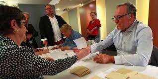 tenir un bureau de vote manque d assesseurs dans les landes vers un scrutin sans