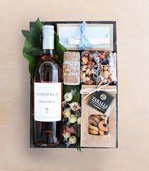 Same Day Gift Basket Delivery Best 25 Gourmet Gift Baskets Ideas On Pinterest Wine Hampers