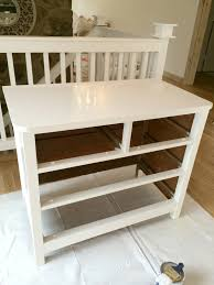 White Gloss Furniture Livelovediy How To Paint Furniture The Easy Way