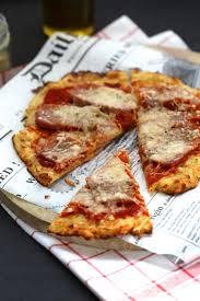 recette de cuisine a base de pomme de terre on dine chez nanou drôle de pizza avec une base en pommes de terre