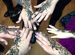 fda warns about hidden dangers of u0027temporary u0027 henna tattoos that