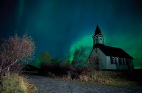 places you can see the northern lights best and cheaper place to see the northern lights and what to do in