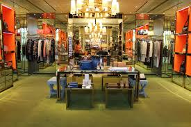 tory burch decided to use the straight floor plan as the store