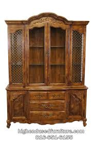 Bernhardt Bar Cabinet Bernhardt Country French Provincial 60 U2033 Lighted China Cabinet 638