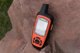 garmin launches its first inreach products the inreach se and
