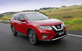 renault koleos 2017 red comparison nissan x trail ti 2017 vs renault koleos intens