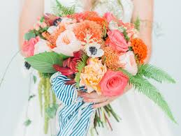 beautiful bouquet of flowers 13 beautiful bouquet wrap ideas weddingwire