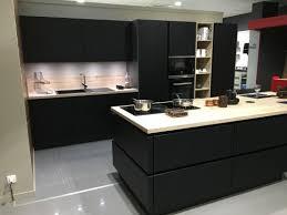 magasin cuisine nimes une nouvelle exposition dans le magasin cuisine plus de nîmes