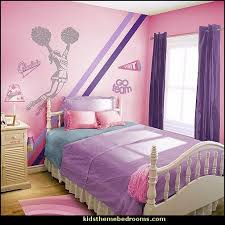 Girls Bedroom Furniture Ideas by Best 25 Cheerleading Bedroom Ideas On Pinterest Cheer
