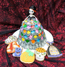 montreal confections halloween barbie cake