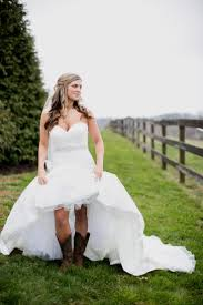 cowboy boots with wedding dresses 17 with cowboy boots with