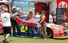 Giant Confederate Flag Nascar Fans Defend Display Confederate Flags Tbo Com