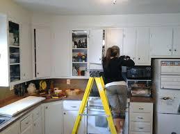peindre des armoires de cuisine en bois peinture armoire la r f rence en peinturer armoire de cuisine en