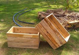 Modern Wood Planter by Small Square Modern Wood Planter Boxes With Legs For Deck Or
