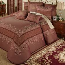 order of pillows on bed bedding bedspreads comforter sets daybed covers quilts touch