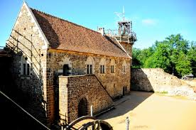 cote de texas want to build a castle and stone painted decoration on the stone walls of this medieval castle this decor was also used as an inspiration for the murals in guedelon castle