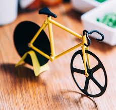 fixie design the fixie pizza cutter bulblebee doiy